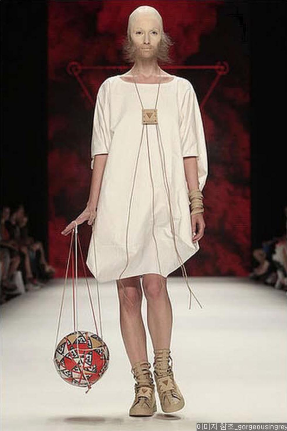 극한직업 패션모델